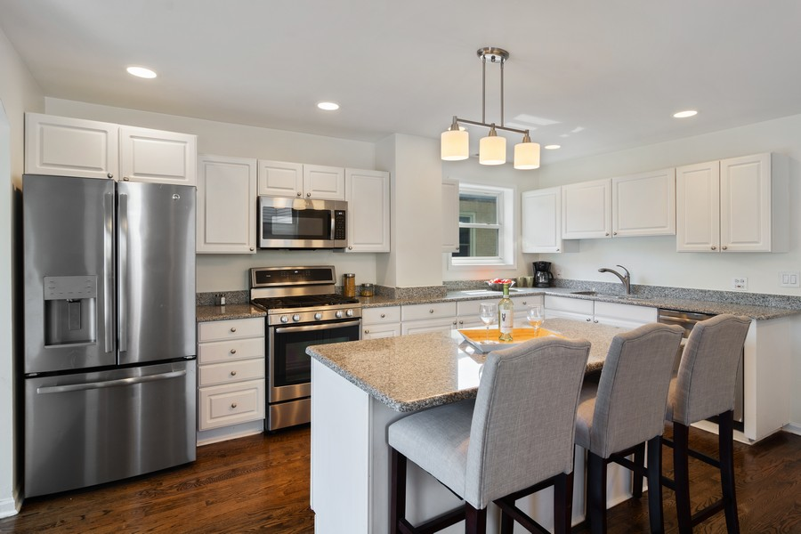 Real Estate Photography - 3139 N. Southport Ave, #PH, Chicago, IL, 60657 - Kitchen