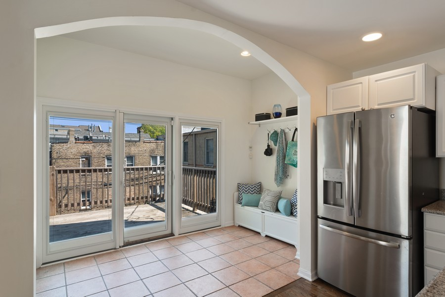 Real Estate Photography - 3139 N. Southport Ave, #PH, Chicago, IL, 60657 - Mudroom