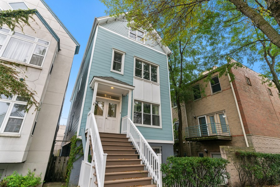 Real Estate Photography - 3139 N. Southport Ave, #PH, Chicago, IL, 60657 - Front View