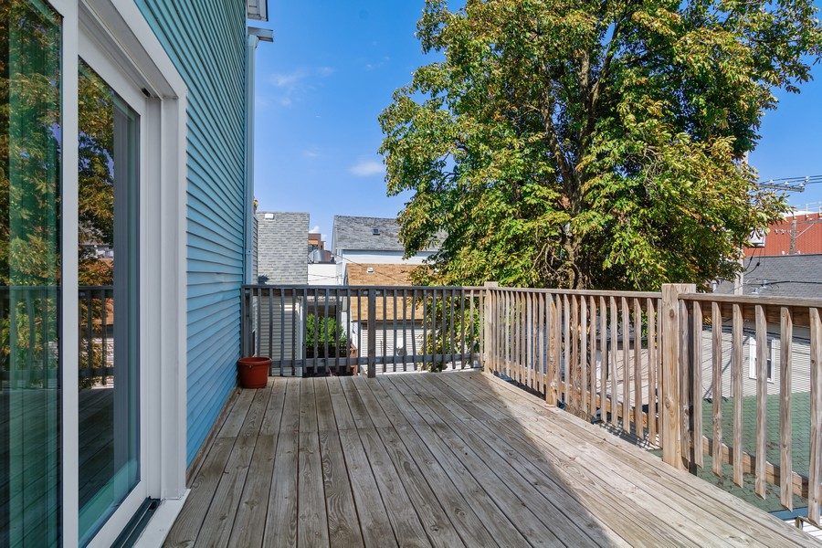 Real Estate Photography - 3139 N. Southport Ave, #PH, Chicago, IL, 60657 - Deck