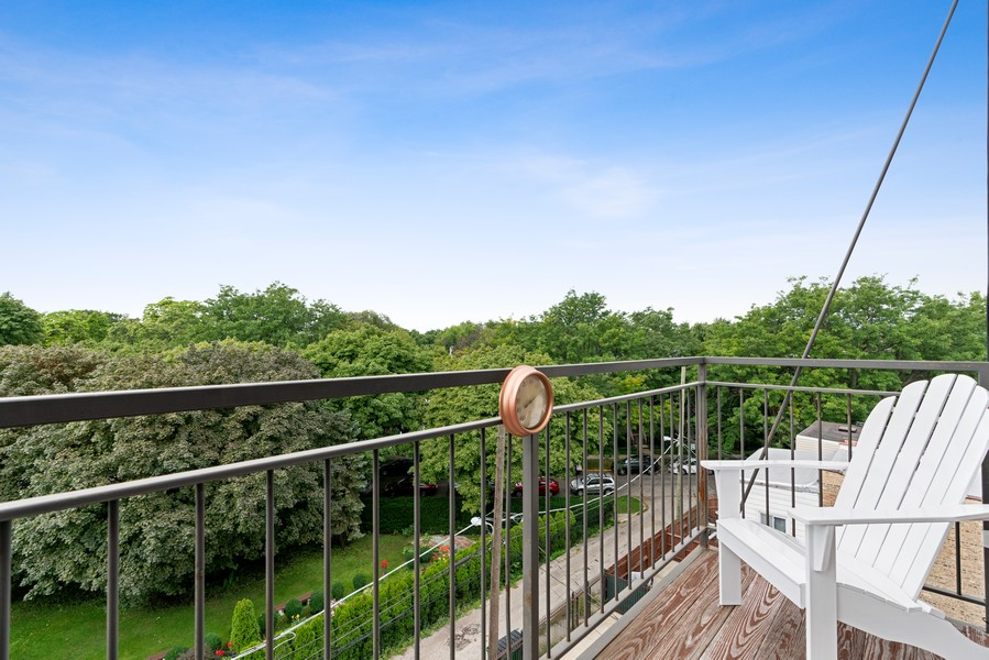 Real Estate Photography - 4156 N. Elston Ave, #4N, Chicago, IL, 60618 - Deck