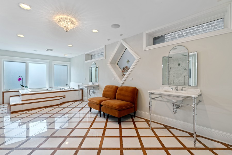 Real Estate Photography - 1914 N. Clark St, Chicago, IL, 60614 - Master Bathroom