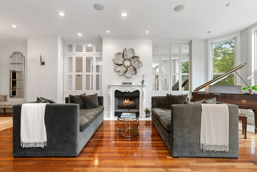 Real Estate Photography - 1914 N. Clark St, Chicago, IL, 60614 - Living Room