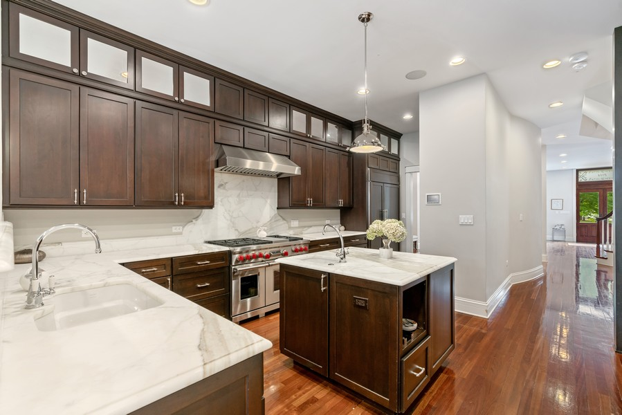 Real Estate Photography - 1914 N. Clark St, Chicago, IL, 60614 - Kitchen