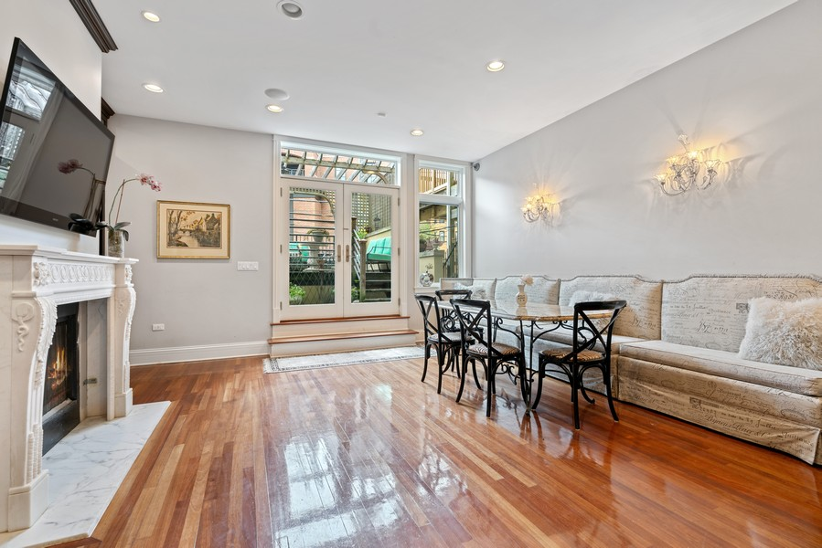 Real Estate Photography - 1914 N. Clark St, Chicago, IL, 60614 - Family Room