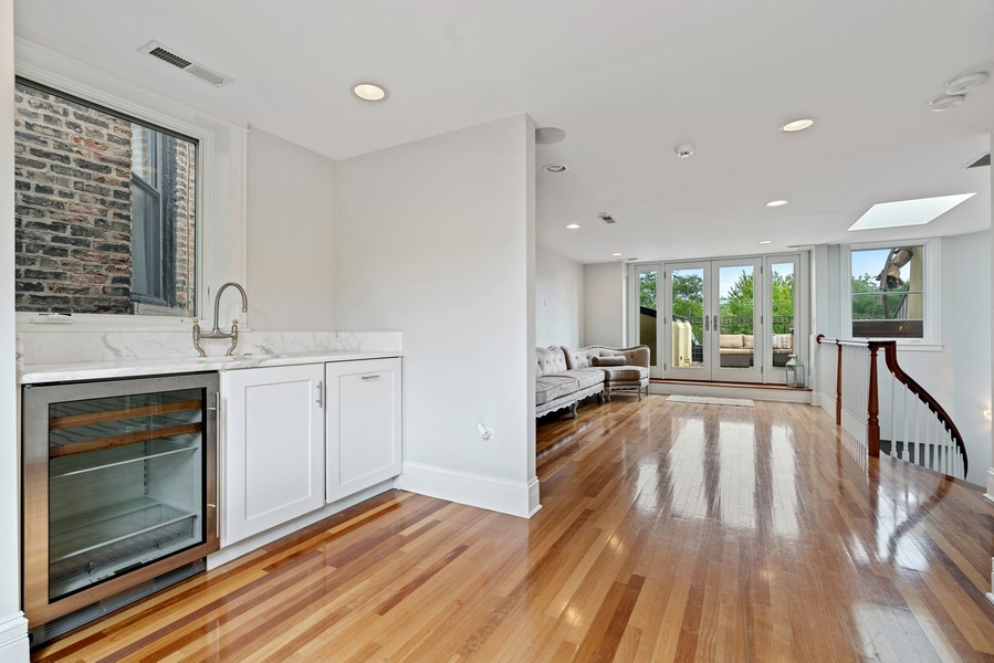 Real Estate Photography - 1914 N. Clark St, Chicago, IL, 60614 - Loft