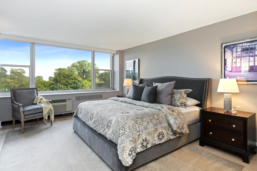 Real Estate Photography - 4250 N Marine Dr, Unit 401, Chicago, IL, 60613 - Master Bedroom