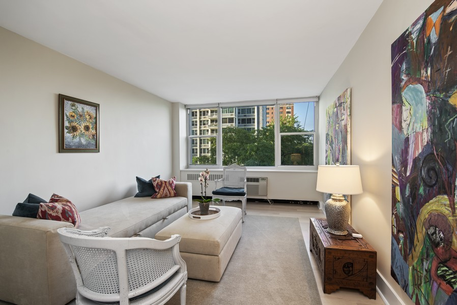 Real Estate Photography - 4250 N Marine Dr, Unit 401, Chicago, IL, 60613 - 2nd Bedroom