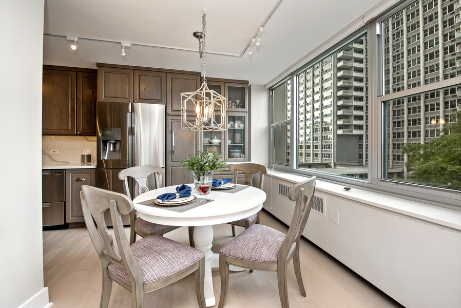 Real Estate Photography - 4250 N Marine Dr, Unit 401, Chicago, IL, 60613 - Dining Room