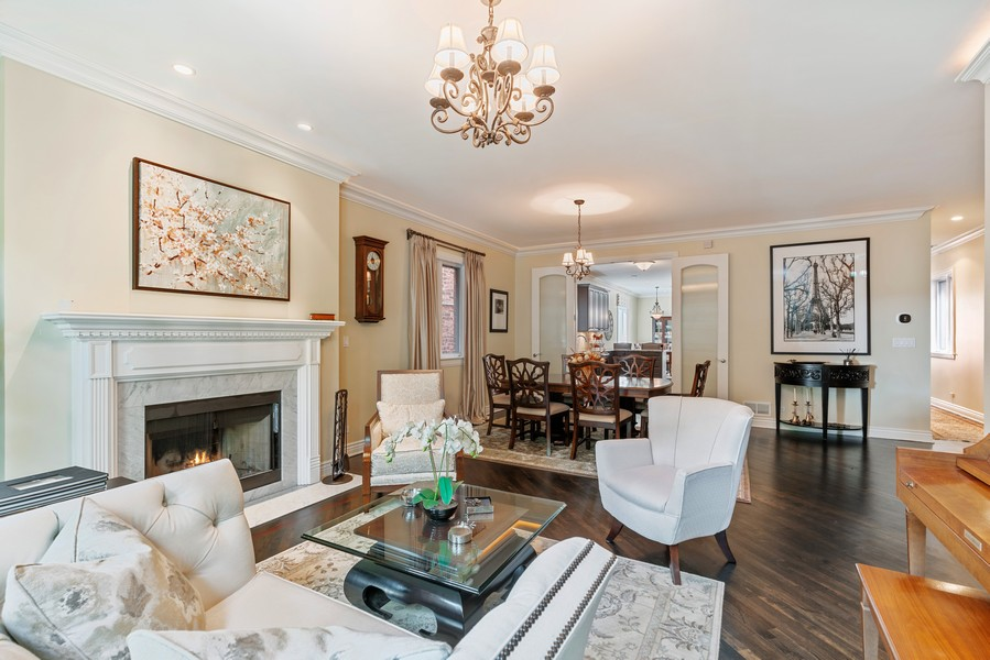 Real Estate Photography - 654 N. Oakley Blvd, Chicago, IL, 60612 - Living Room