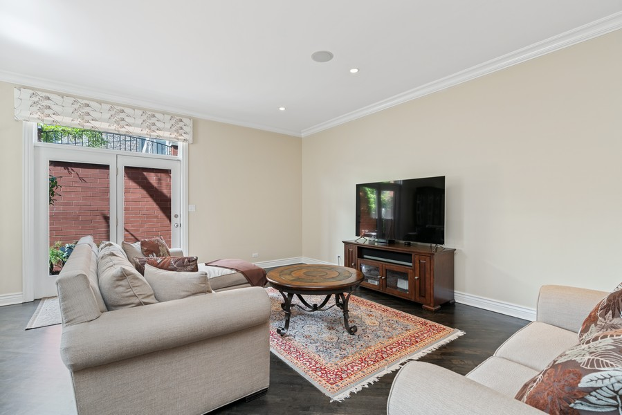 Real Estate Photography - 654 N. Oakley Blvd, Chicago, IL, 60612 - Family Room