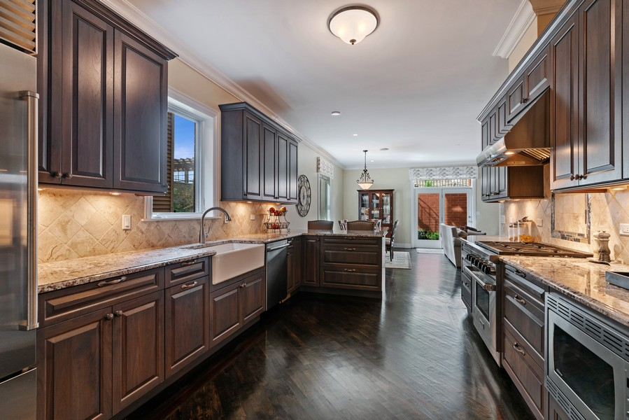 Real Estate Photography - 654 N. Oakley Blvd, Chicago, IL, 60612 - Kitchen