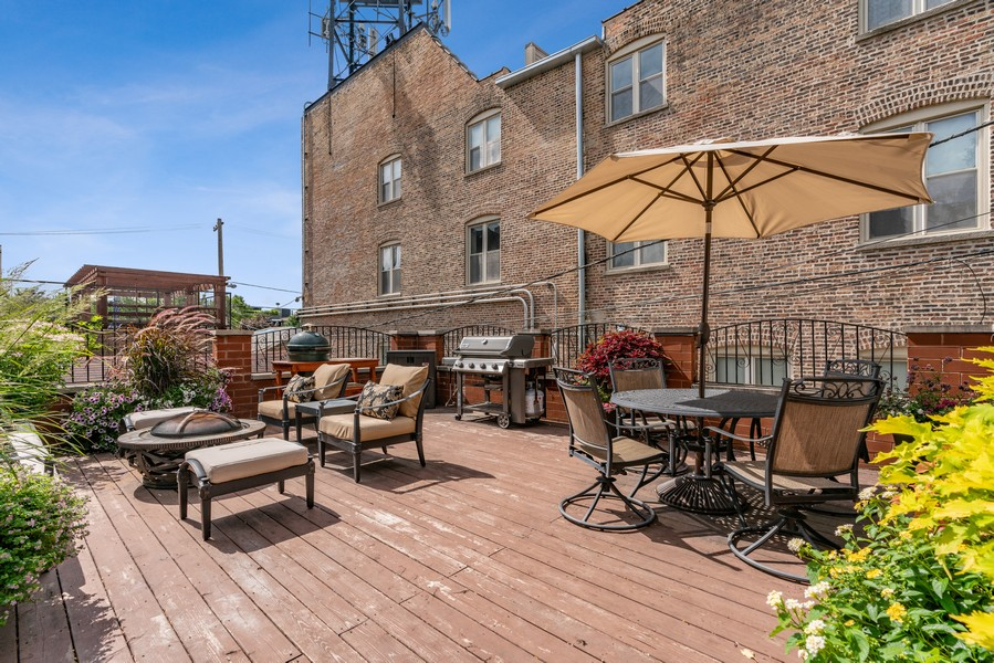 Real Estate Photography - 654 N. Oakley Blvd, Chicago, IL, 60612 - Deck