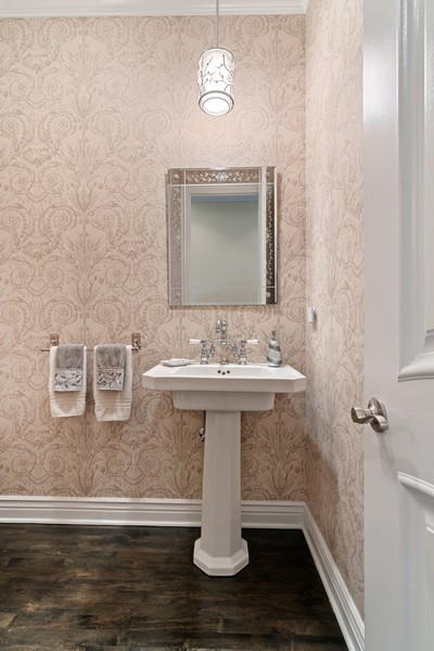 Real Estate Photography - 654 N. Oakley Blvd, Chicago, IL, 60612 - Bathroom