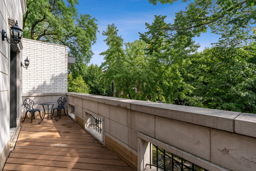 Real Estate Photography - 654 N. Oakley Blvd, Chicago, IL, 60612 - Balcony