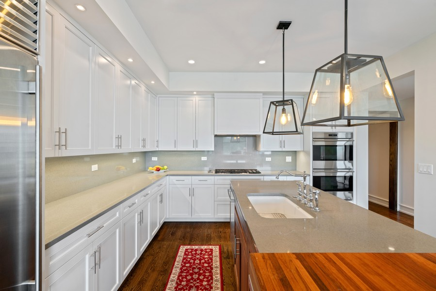 Real Estate Photography - 318 S. Michigan Ave, #400, Chicago, IL, 60604 - Kitchen