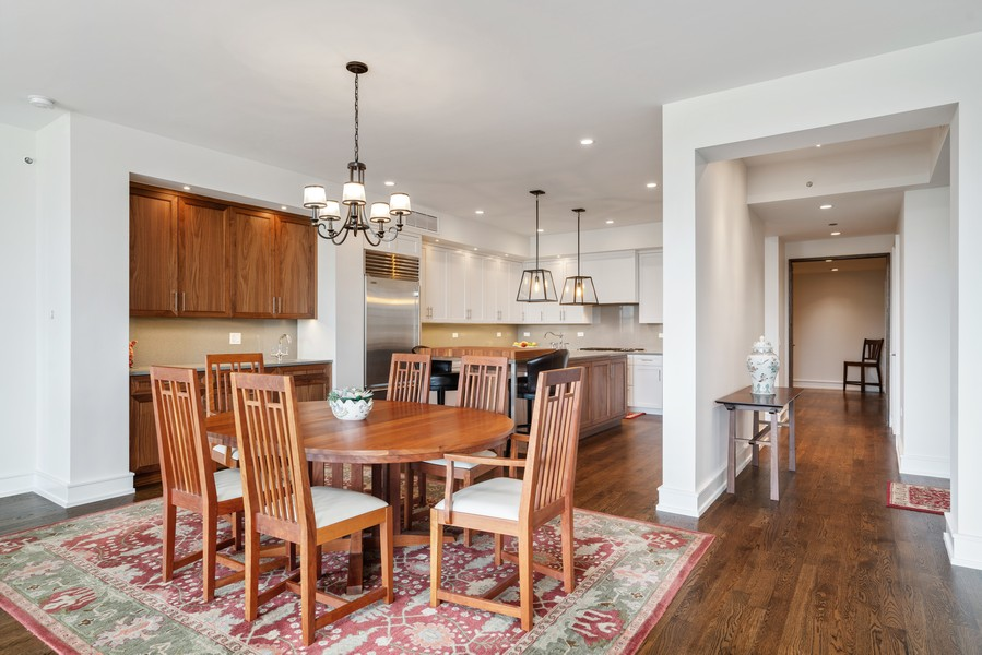 Real Estate Photography - 318 S. Michigan Ave, #400, Chicago, IL, 60604 - Dining Room