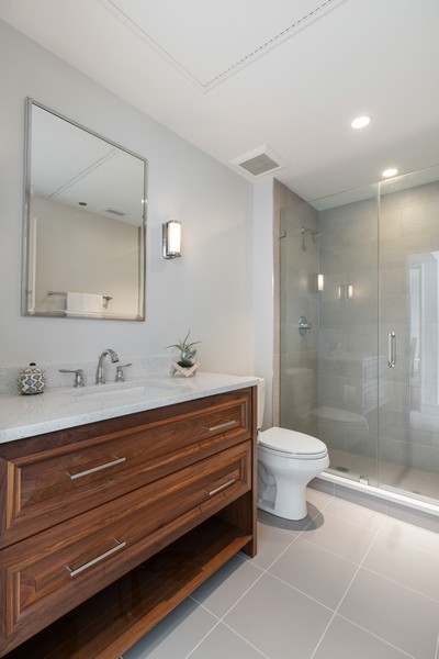 Real Estate Photography - 318 S. Michigan Ave, #400, Chicago, IL, 60604 - 2nd Bathroom
