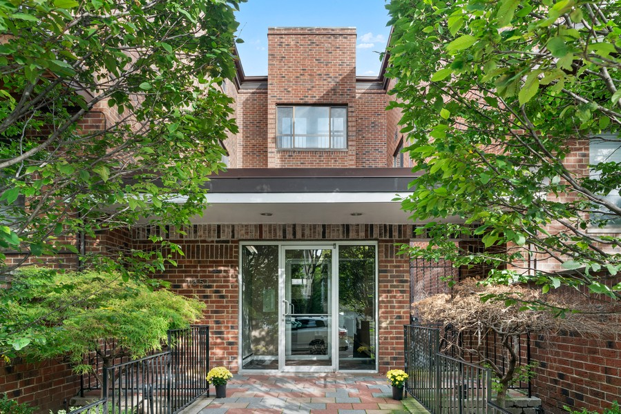 Real Estate Photography - 1651 N. Dayton St, #303, Chicago, IL, 60614 - Front View