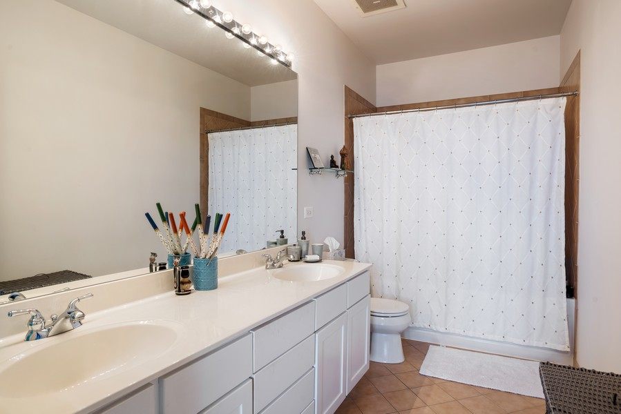Real Estate Photography - 720 N Larrabee, Unit 1401, Chicago, IL, 60654 - Master Bathroom