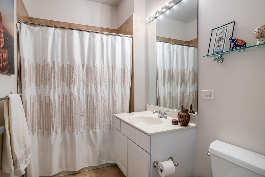 Real Estate Photography - 720 N Larrabee, Unit 1401, Chicago, IL, 60654 - Bathroom