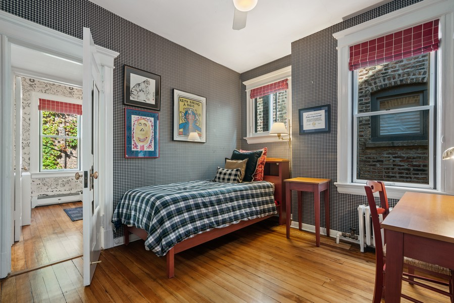 Real Estate Photography - 428 W. Roslyn Pl, Chicago, IL, 60614 - 2nd Bedroom