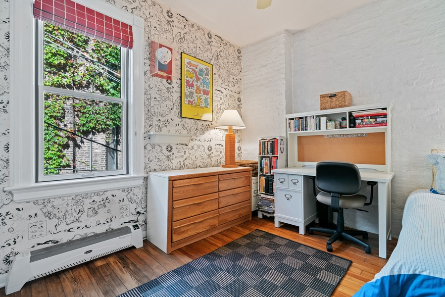 Real Estate Photography - 428 W. Roslyn Pl, Chicago, IL, 60614 - 3rd Bedroom