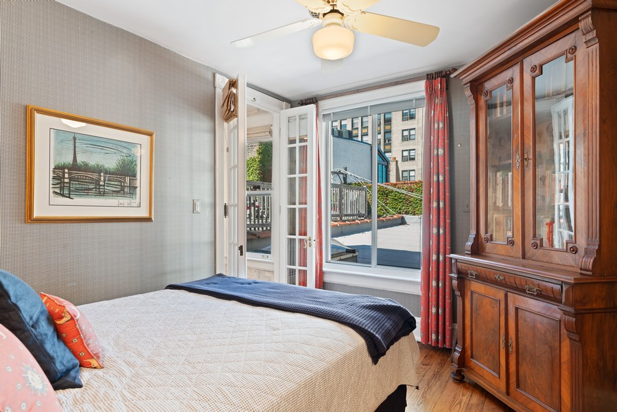 Real Estate Photography - 428 W. Roslyn Pl, Chicago, IL, 60614 - 4th Bedroom