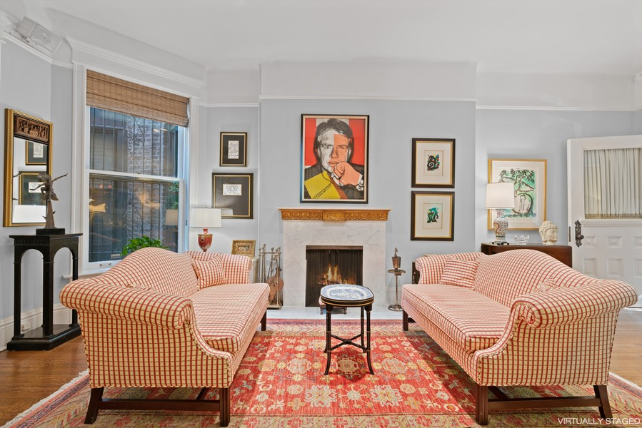 Real Estate Photography - 428 W. Roslyn Pl, Chicago, IL, 60614 - Family Room