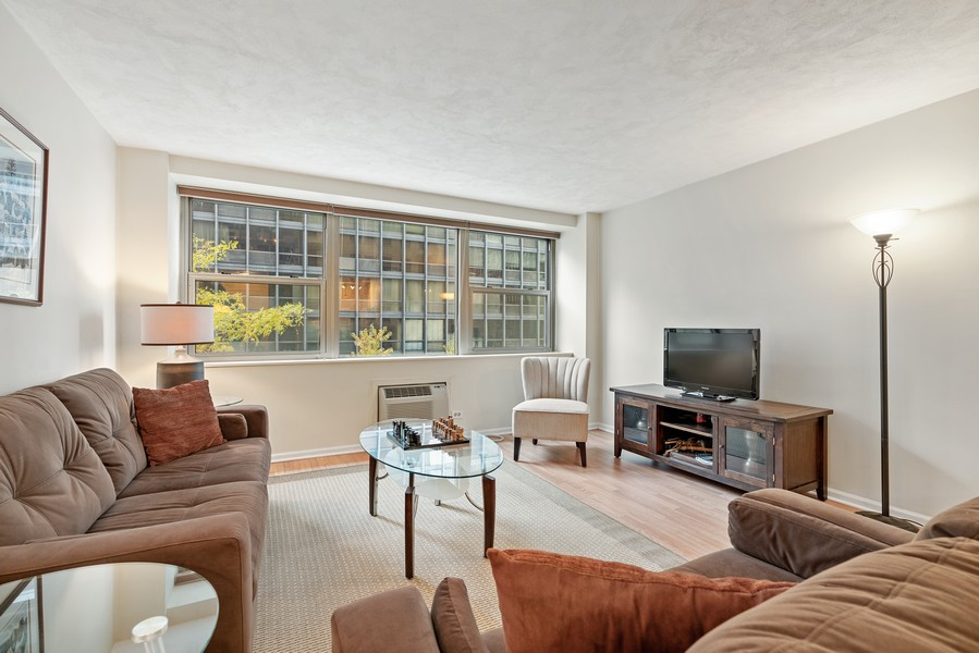 Real Estate Photography - 253 E. Delaware Pl, #4A, Chicago, IL, 60611 - Living Room