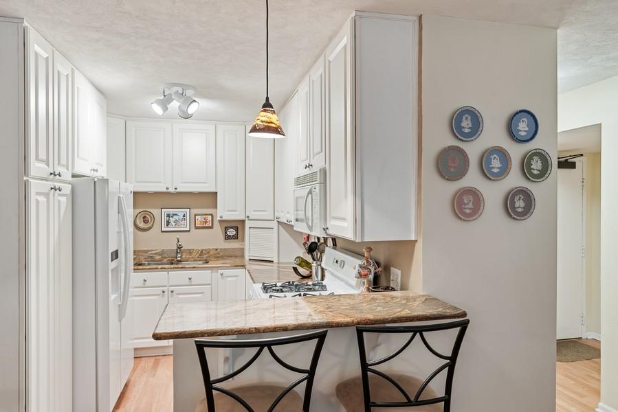Real Estate Photography - 253 E. Delaware Pl, #4A, Chicago, IL, 60611 - Kitchen