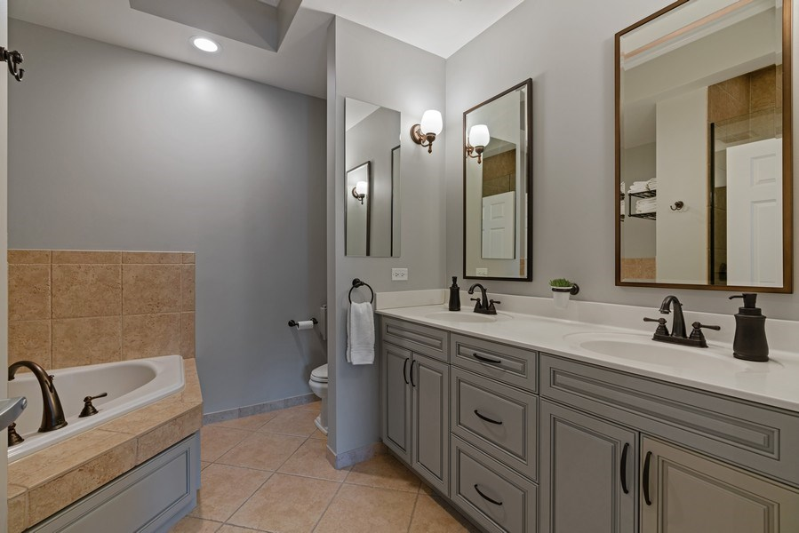 Real Estate Photography - 1133 S. State, #703, Chicago, IL, 60605 - Master Bathroom