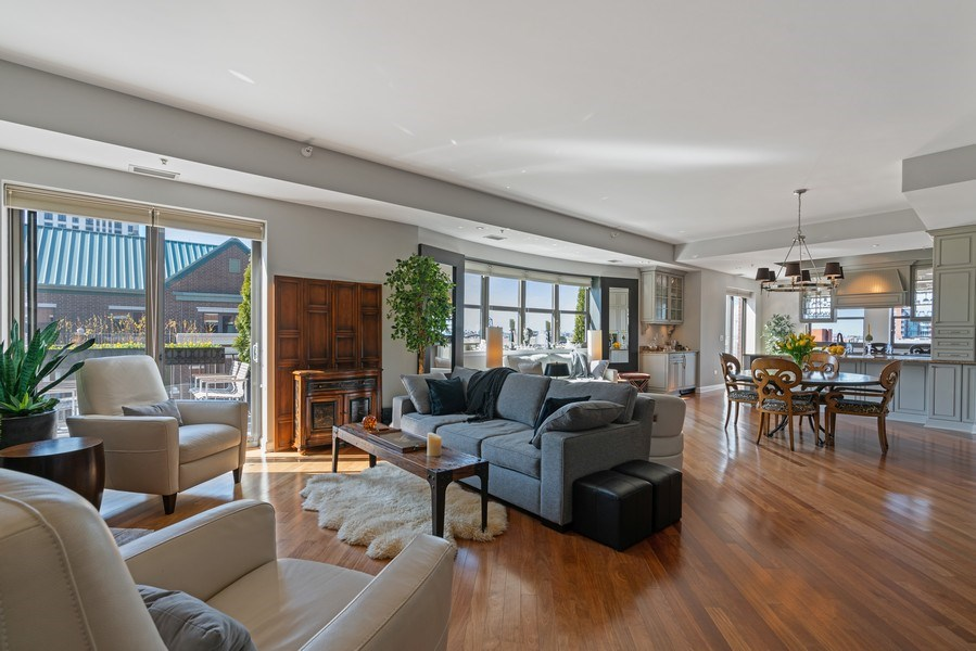 Real Estate Photography - 1133 S. State, #703, Chicago, IL, 60605 - Living Room