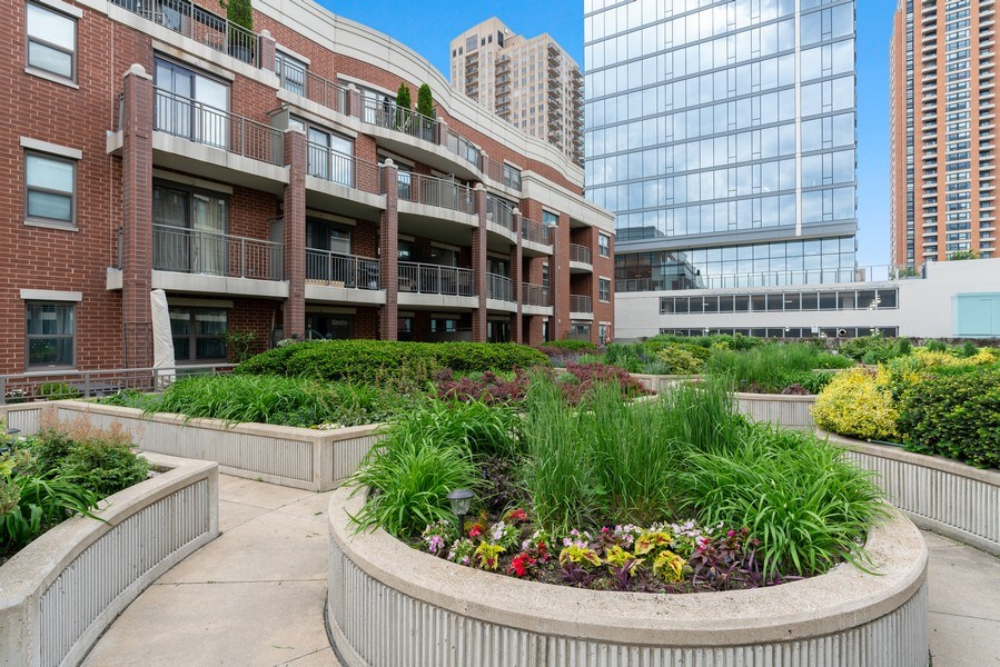 Real Estate Photography - 1133 S. State, #703, Chicago, IL, 60605 - Courtyard