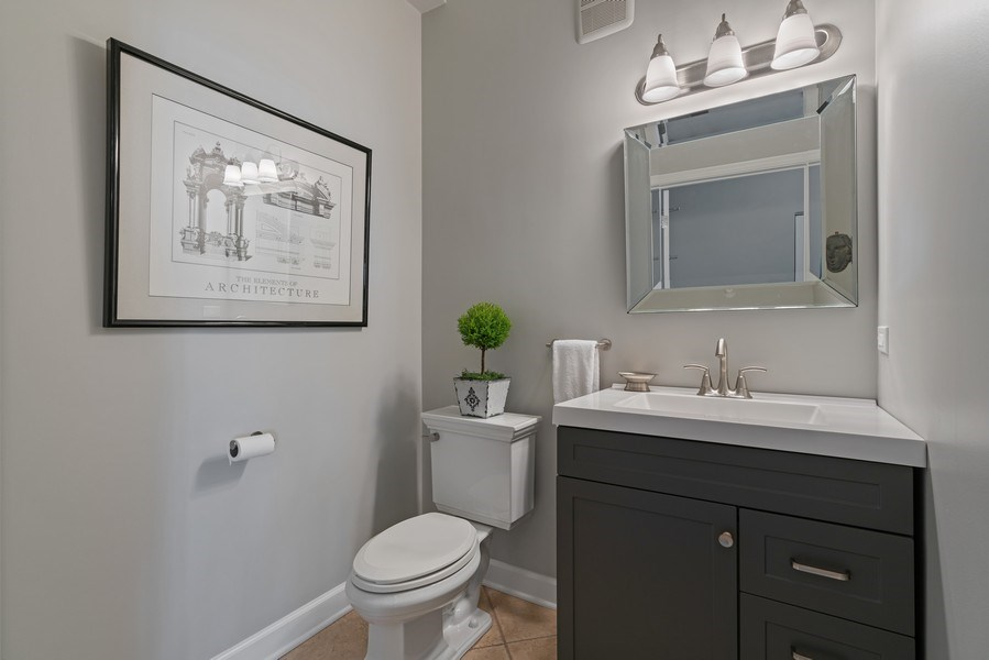 Real Estate Photography - 1133 S. State, #703, Chicago, IL, 60605 - Bathroom