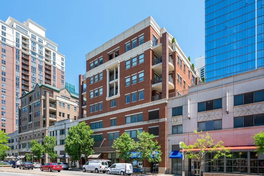 Real Estate Photography - 1133 S. State, #703, Chicago, IL, 60605 - Exterior View