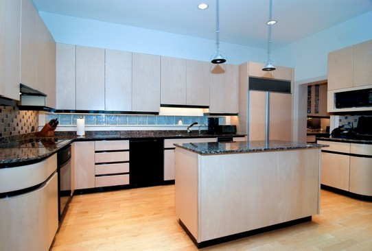 Real Estate Photography - 2037 N Magnolia Ave, Chicago, IL, 60614 - Kitchen