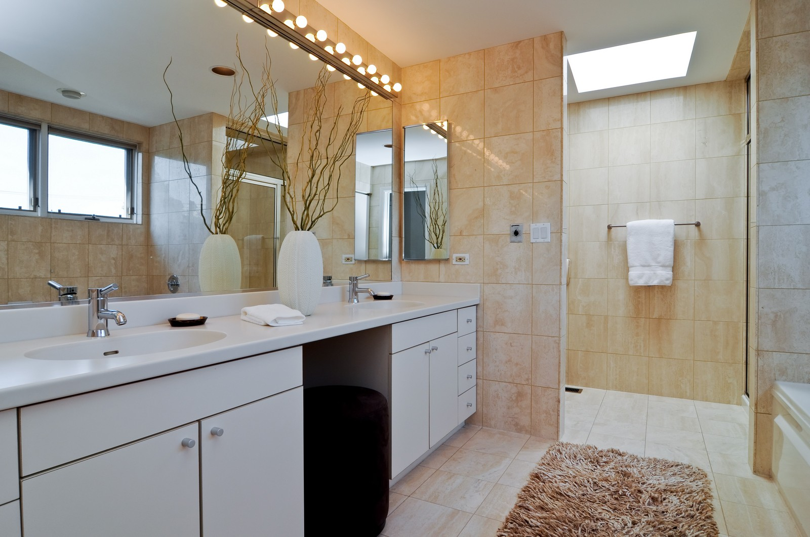 Real Estate Photography - 1943 N Maud, Chicago, IL, 60614 - Master Bathroom