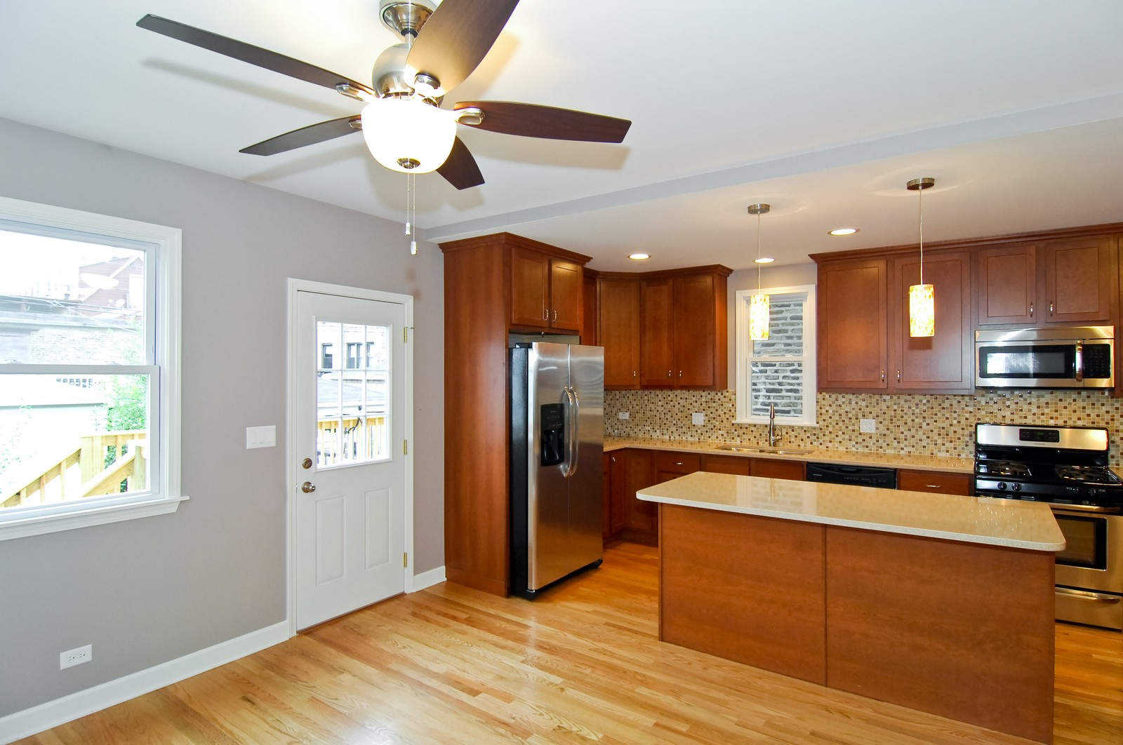 Real Estate Photography - 2946 N Troy, Chicago, IL, 60618 - Kitchen / Breakfast Room