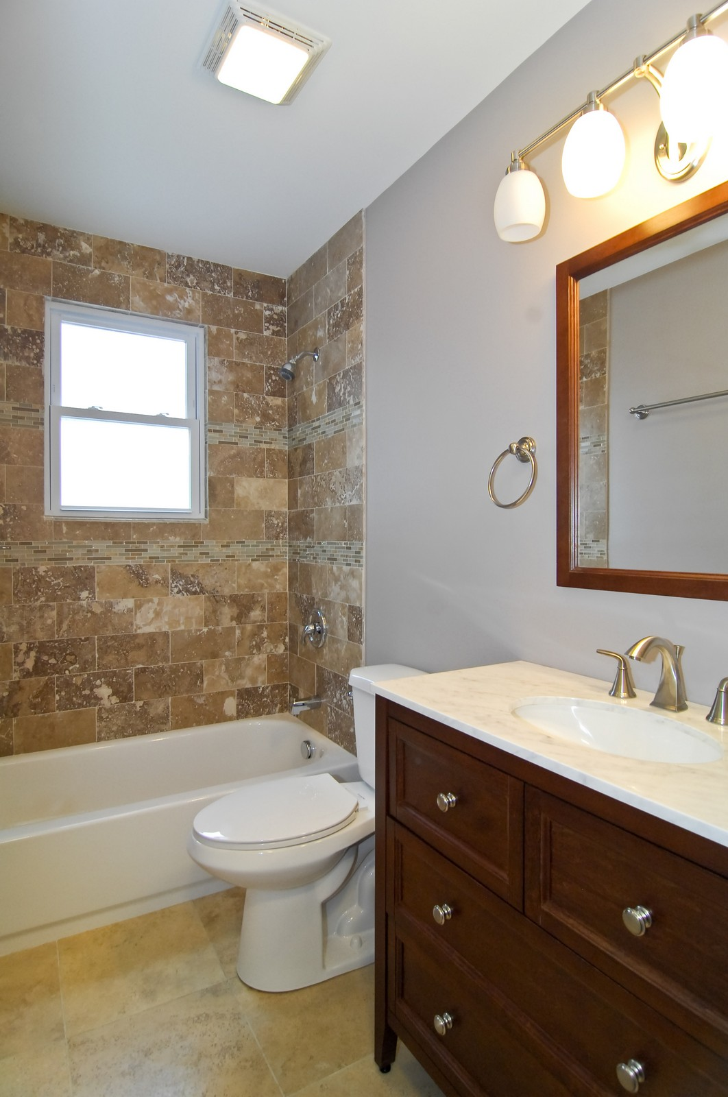 Real Estate Photography - 2946 N Troy, Chicago, IL, 60618 - 2nd Bathroom
