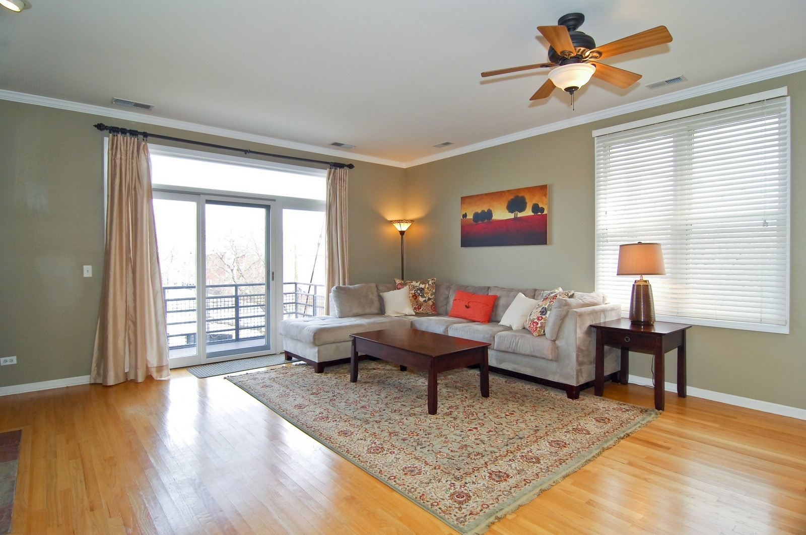 Real Estate Photography - 1555 W. School, 3E, Chicago, IL, 60657 - Living Room