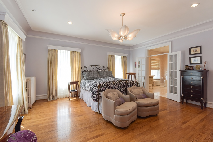 Real Estate Photography - 1000 E 48th St, Chicago, IL, 60615 - 2nd Bedroom