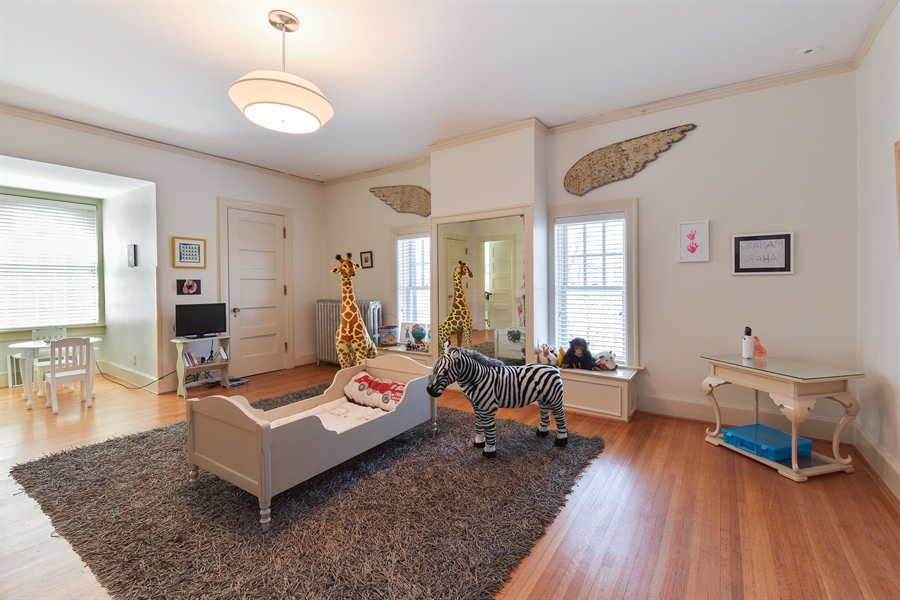 Real Estate Photography - 1000 E 48th St, Chicago, IL, 60615 - 4th Bedroom