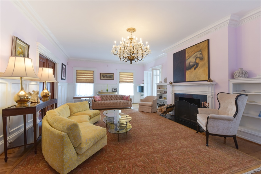 Real Estate Photography - 1000 E 48th St, Chicago, IL, 60615 - Living Room