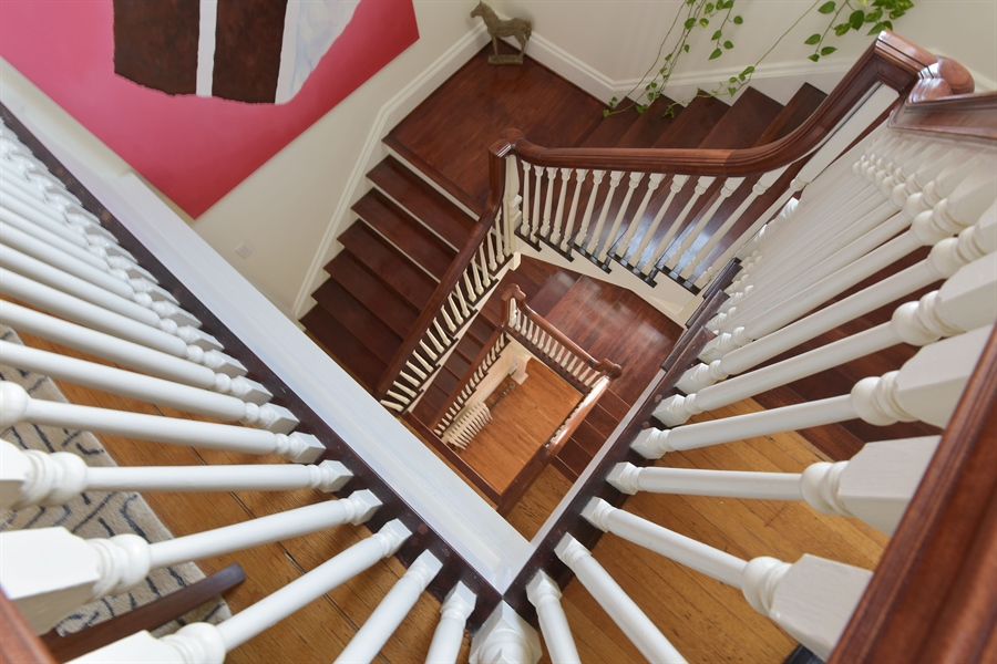 Real Estate Photography - 1000 E 48th St, Chicago, IL, 60615 - Staircase