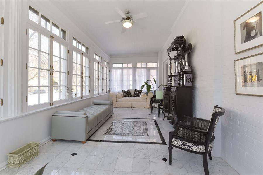 Real Estate Photography - 1000 E 48th St, Chicago, IL, 60615 - Sun Room