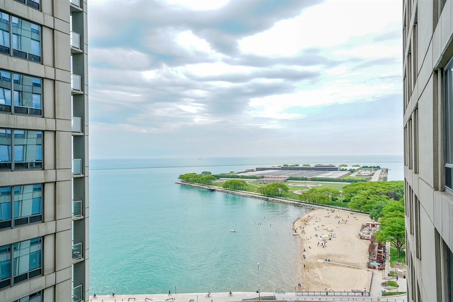 Real Estate Photography - 600 N Lake Shore Dr, 1410, Chicago, IL, 60611 - View