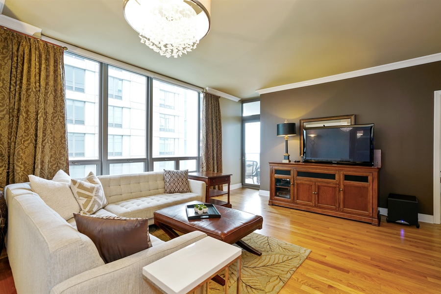 Real Estate Photography - 600 N Lake Shore Dr, 1410, Chicago, IL, 60611 - Living Room