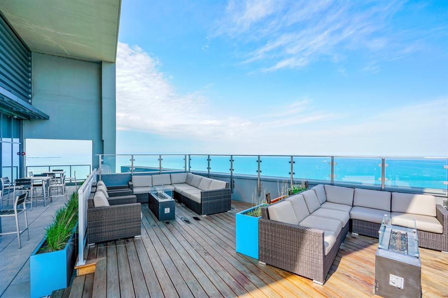 Real Estate Photography - 600 N Lake Shore Dr, 1410, Chicago, IL, 60611 - Roof Deck