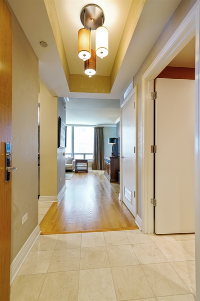 Real Estate Photography - 600 N Lake Shore Dr, 1410, Chicago, IL, 60611 - Foyer